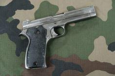 Le pistolet MAC 35 A |