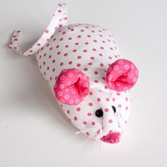* scroll thru blog for lots of free patterns, including little fishie and mouse Free Pattern