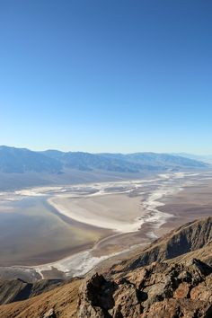 The 6 Most Surreal Places you need to visit in the United States! Moon Over Water, Places To Travel, Places To Visit, Beautiful Places, Beautiful Pictures, Visit California, Travel Plan, Ultimate Travel, Cross Country