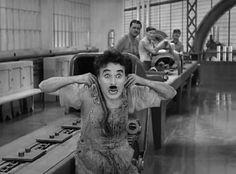 """Como decía Charles Chaplin: """"Cuando me amé de verdad, comprendí que en cualquier circunstancia, yo estaba en el lugar correcto y en el momento preciso. Dejé de desear que mi vida fuera diferente. Comencé a librarme de todo lo que no fuese saludable:personas y situaciones… »Al principio, mi razón lo llamó egoísmo, hoy sé que …"""