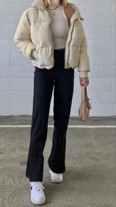 Teen Fashion Outfits, Retro Outfits, Cute Casual Outfits, Look Fashion, Fall Outfits, Jugend Mode Outfits, Beige Outfit, Looks Street Style, Winter Fits