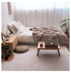 Small Room Interior, Small Room Bedroom, Room Ideas Bedroom, Home Decor Bedroom, Cozy Small Bedrooms, Korean Bedroom Ideas, Comfy Bedroom, Diy Bedroom, Bedroom Layouts For Small Rooms