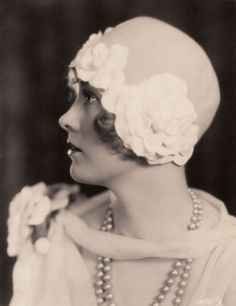 Esther Ralston (September 17, 1902 – January 14, 1994) was an American movie actress whose greatest popularity came during the silent era. Photo taken in the 1920's.