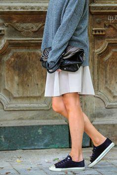 Theory oversized sweater I Miu Miu bag, skirt and sneakers I #streetwear I #point41