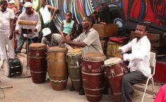 Música en la calle es una costumbre.