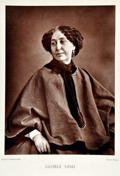 1876: George Sand (1804-1876) war eine französische Schriftstellerin. Das Porträt von Nadar gehört zu den bekanntesten Porträts der Photogeschichte überhaupt.
