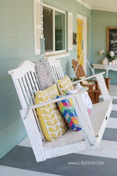 See how easy it is to upcycle a baby crib to porch swing tutorial. Don't throw away your kid's baby crib, upcycle it into a meaningful porch swing to create new memories! Love this baby crib porch swing makeover! Hanging Porch Bed, Furniture Makeover, Diy Furniture, Bedroom Furniture, Outdoor Furniture, Furniture Making, Crib Swing, Backyard Swings, Porch Swings