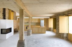 Country House Renovation / 2260mm Arquitectes
