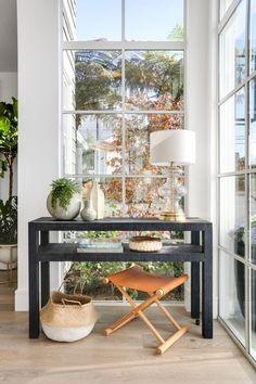 Home Modern, Modern Coastal, Foyer Design, House Design, Dyi, Modern Interior Design, Interior Ideas, Interior Styling, Outdoor Dining