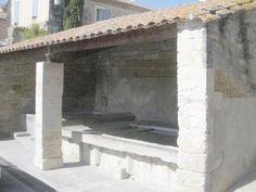 Un des lavoirs de Pujaut Gard (30)