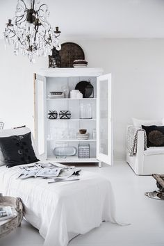 Scandinavian Home Decor For Your Eyes Only Grey Interior Design, Interior Exterior, Home Living Room, Living Spaces, Sweet Home, White Rooms, Home And Deco, Scandinavian Interior, Scandinavian Living