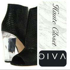 Snakeskin Bootie This snakeskin embossed leather peeptoe bootie is one of Steve Madden's best! This absolutely stunning shoe will have any woman owning the room. Gorge thick lucite heel - 4 inch. Steve Madden Shoes