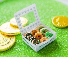 Lure leprechauns to your home this #StPatricksDay with @FamilyFun magazine's adorable mini-doughnut box craft (the pastries are decorated Cheerios!).