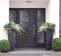 New front door design ideas entrance entryway Ideas Modern Entrance Door, Main Entrance Door Design, Front Door Entryway, Front Door Design, House Entrance, Entrance Doors, Front Door Decor, Entryway Ideas, Front Door Planters
