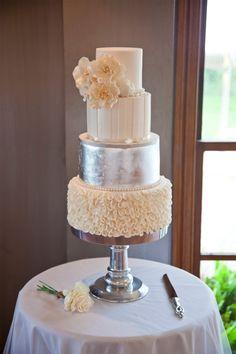 Hayley_Lennox_Elegant-Country-Wedding_SBS_004