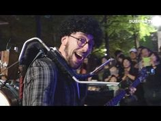 [Live] Lorenzo Gianmario Galli - I will survive / Gloria Gaynor Cover Street Performance, Street Culture, Survival, Songs, Celebrities, Ea, Cover, Fictional Characters, Celebs