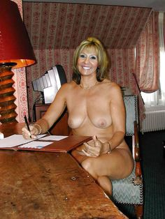 Nude mature women at home