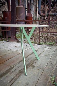 NETTESHEIMDESIGN » Typus Tisch