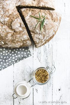 homemade rye bread with flax seeds and rosemary