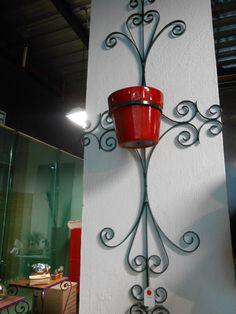 Macetero de pared en fino hierro forjado a mano 3 por MaderaYHierro