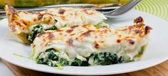 My recipe for spinach cannelloni with ricotta filling. Fresh home made pasta sheets filled with a spinach ricotta mix, topped with bechamel sauce and baked. Spinach Ricotta Cannelloni, Cannelloni Recipes, Spinach Pie, Penne, Gourmet Recipes, Cooking Recipes, Meal Recipes, International Recipes, How To Cook Pasta