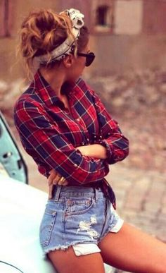 Plaid outfit  Soooo nice with the highwaisted shorts and bandana