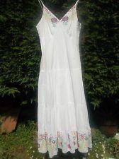 NEW SIZE 12(40) WHITE EMBROIDERED LONG SLEEVELESS DRESS Pomodora FULLY LINED