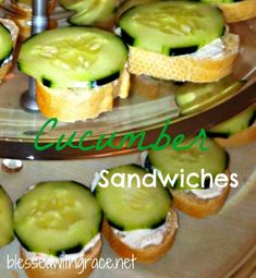 Easy Cucumber Sandwich Recipe These are the best! May omit dill seasoning if you don't have it Finger Food Appetizers, Appetizers For Party, Finger Foods, Sandwich Recipes, Snack Recipes, Cooking Recipes, Good Food, Yummy Food, Tasty