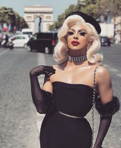 Drag Queen Synthetic Lace Wigs High Quality Synthetic Lace Front Wigs for Your Drag Race - Raywigs Drag Queen Makeup, Drag Makeup, Drag Queens, Bts Mode, Valentina Drag, Make Up Artist Ausbildung, Pretty People, Beautiful People, Drag Queen Outfits