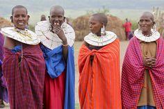 Local fashion: Beads in the ethnic jewelry of Africa Masai Women Tribal Women, Tribal People, African Jewelry, Ethnic Jewelry, Folk Costume, Costumes, Zulu Women, African Love, Simply Fashion