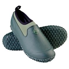 Muck Boots Women's Muckster II Low Green is the All-purpose Shoe that started it all now comes in a true women's last offering an even greater fit for all day comfort.