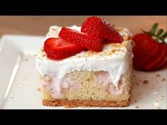 Strawberry Cheesecake Poke Cake- Can easily make a using a full cake mix and single recipe ingredients Easy Desserts, Delicious Desserts, Yummy Food, Yummy Mummy, Yummy Eats, Yummy Appetizers, Yummy Snacks, Poke Cakes, Cupcake Cakes