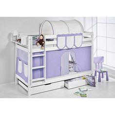 Bunk bed to play, sleep and dream. This timeless bunk bed Belle with two slats of the brand is the favourite of all children and parents. In a few easy steps you can turn the bunk bed into two normal single beds. This way the bed is also suitable for teenagers at a later stage. Thanks to the curtain the bed invites your children not only to sleep and dream but also to play and use their imagination. Out of wide range of colourful curtains you can choose a curtain that blends in with your…