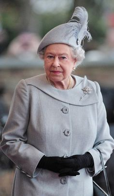 Queen Elizabeth II--Williamson pink diamond brooch