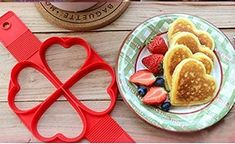 Silicone Non Stick Fantastic Egg Pancake Maker Ring Dutch Pancake Maker, Dutch Pancakes, No Egg Pancakes, Waffle Pan, Heart Shaped Pancakes, Cake Models, Japanese Pancake, Crepe Maker, Different Cakes