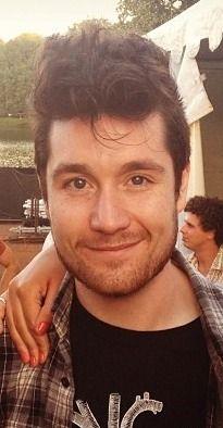 indanielsden: Dan looks SO GOOD Stolen from instagram