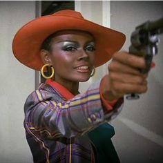 Actress and model Tarmara Dobson in Cleopartra... -                       Classic Ladies of Color