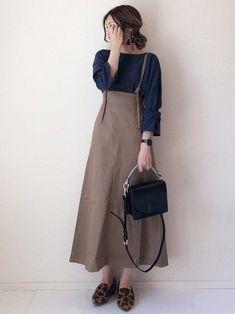 40代はロングスカートを味方に!脚長&ぽっちゃり隠し (サンキュ!) Modest Outfits, Midi Skirt, High Waisted Skirt, Fashion Dresses, Womens Fashion, Ladies Fashion, My Style, Lady, Skirts