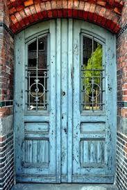 Old door in Hamburg - blue and orange, complementary colors! - Keys & Doors - Old door in Hamburg – blue and orange, complementary colors! Great for interiors but even better - House Entrance, Grand Entrance, Entrance Doors, Arch Doorway, Cool Doors, Unique Doors, Rustic Doors, Wooden Doors, Door Knockers