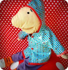 Een regenjas voor Jules, naar een patroontje van Pom Pom