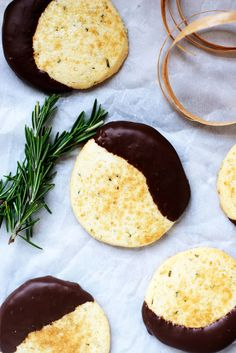 Chocolate Dipped Rosemary Butter Cookies + 5 Can't Miss Holiday Cookie Links www.cupsandspoonfuls.com
