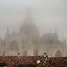 24. Weather #octoberphotoaday #Milan #fog