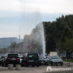 #geysir  earlier #today  #waterfront #urfahr #linz #igerslinz #news #breaking #water #attention #achtung #linzag #wasserspiele #tourism #nature #oö #upperaustria #parkplatz #naturwunder #visitlinz #hui #potd