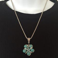 New fashion pendant necklace silver turquoise New fashion pendant necklace silver turquoise. Flower design. Rhinestones. Adjustable Jewelry Necklaces