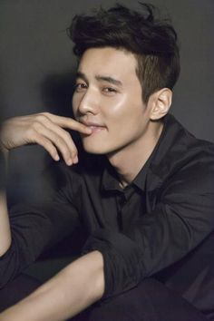 Won Bin is the new model for 'Biotherm Homme' (Korea)^^ here's a behind-the-scene picture
