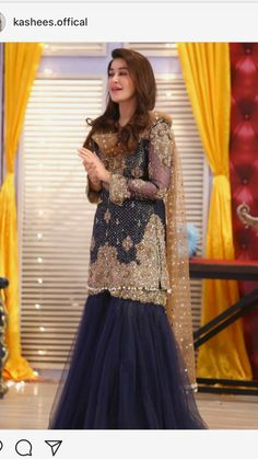 dress is for casual wear or in wedding. Asian Wedding Dress, Pakistani Wedding Outfits, Pakistani Wedding Dresses, Pakistani Dress Design, Indian Dresses, Indian Outfits, Shadi Dresses, Party Wear Dresses, Dress Collection