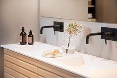 Trollstigen - Strai kjøkken Bedroom Bed Design, Bathroom Countertops, Sink, Home Decor, Bath, Carpet, Sink Tops, Vessel Sink, Decoration Home