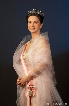 Dona Isabel, Duchess of Bragança (Portugal) Royal Crown Jewels, Royal Crowns, Royal Tiaras, Royal Jewelry, Tiaras And Crowns, Casa Real, Portuguese Royal Family, Noble People, Royals