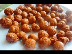 These candies remind me so many good memories of my childhood. I used to spend all the money i had to buy these, and in this video i'm going to show you how . Candy Recipes, Sweet Recipes, Dog Food Recipes, Food N, Food And Drink, Bonbon Caramel, Mi Recipe, Ghanaian Food, West African Food