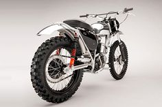 There was a time when British bikes of the could be had at a wrecking yard for chump change and the old scallywag behind the cash register was happy to see… Enduro Vintage, Vintage Motocross, Vintage Bikes, Motocross Bikes, Scrambler Motorcycle, Old Bikes, Dirt Bikes, Triumph Scrambler, Triumph Bikes